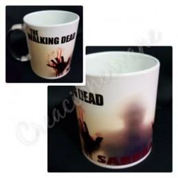 Taza magica negra The Walking Dead personalizada con tu nombre