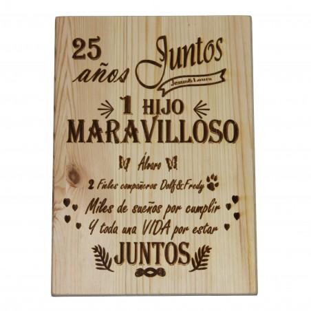 Tabla de madera de pino maciza con tu historia de amor grabada