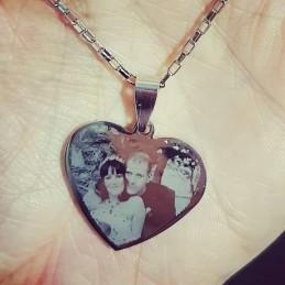 Colgante foto grabado en forma corazón+cadena de 50cm