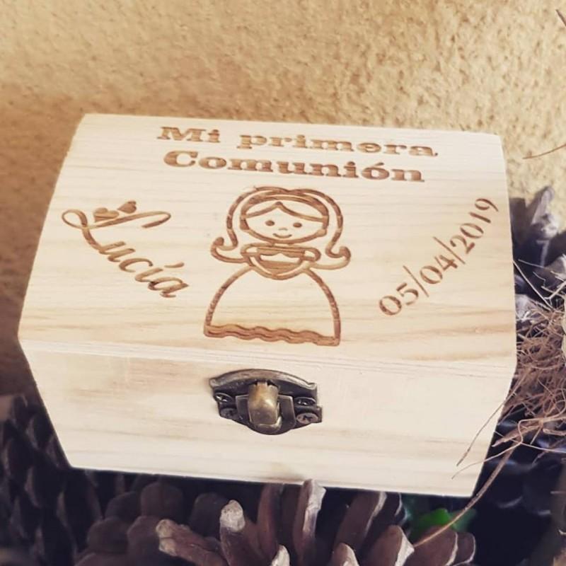 Caja madera grabada especial eventos Comuniones,bautizos o bodas