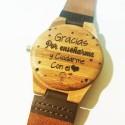 Reloj de bambú y piel personalizado por detrás con tú frase