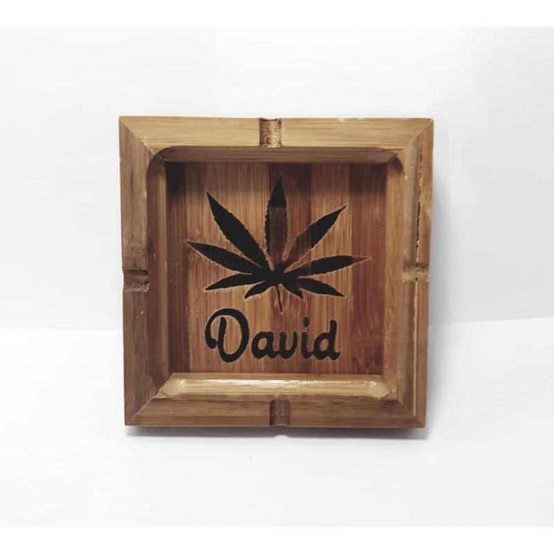 Cenicero de madera personalizado con nombre y dibujo
