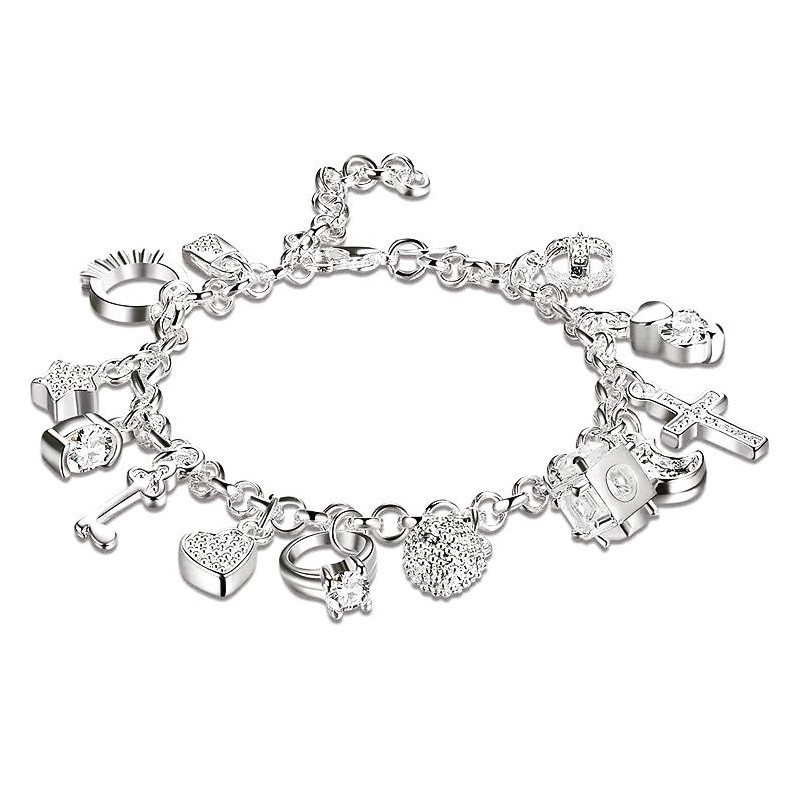 Original y elegante pulsera de plata laminada con abalorios variados