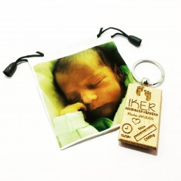 Llavero de madera con datos de nacimiento/opción de bolsa con foto