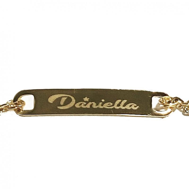Esclava pulsera dorada con nombre grabado a punta de diamante