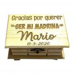 Cajas personalizadas de madera para madrinas y padrinos